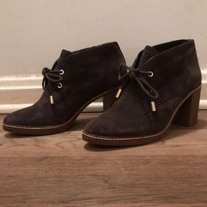 Brown suede Tory Burch boots with a heel Worn once